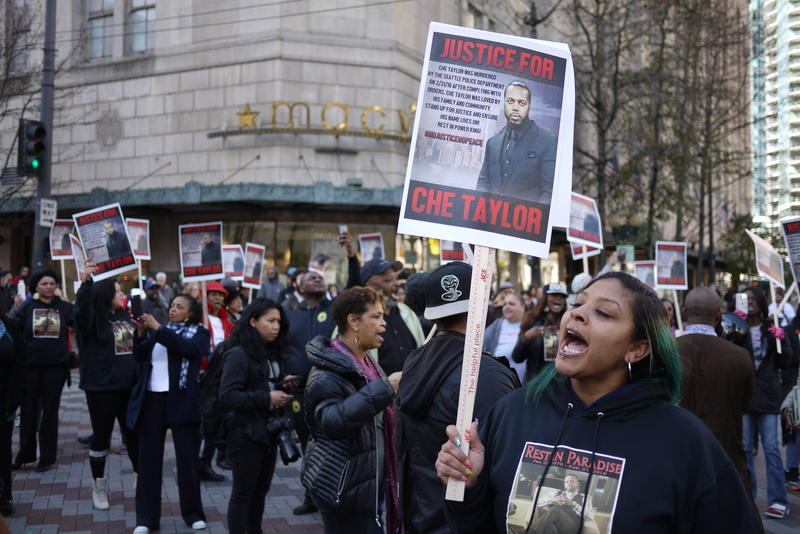 Marchers on Thur. Feb 25 protested the killing of Che Taylor by the Seattle Police, shot on Feb. 22.