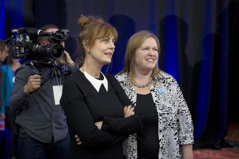 Actress Susan Sarandon, left, and Jane Sanders, wife of Democratic presidential candidate Sen. Bernie Sanders (I-Vt.), at a dinner in Las Vegas, Thursday, Feb. 18, 2016.