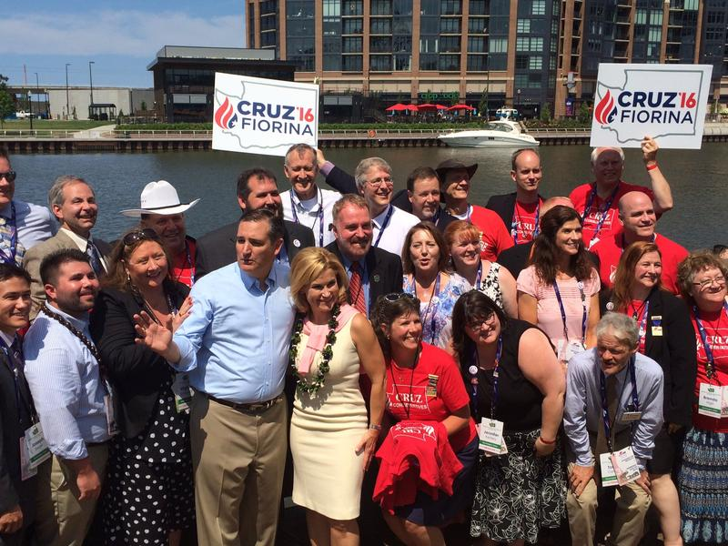 Washington state delegates take a picture with Sen. Ted Cruz, who previously dropped out of the presidential race.
