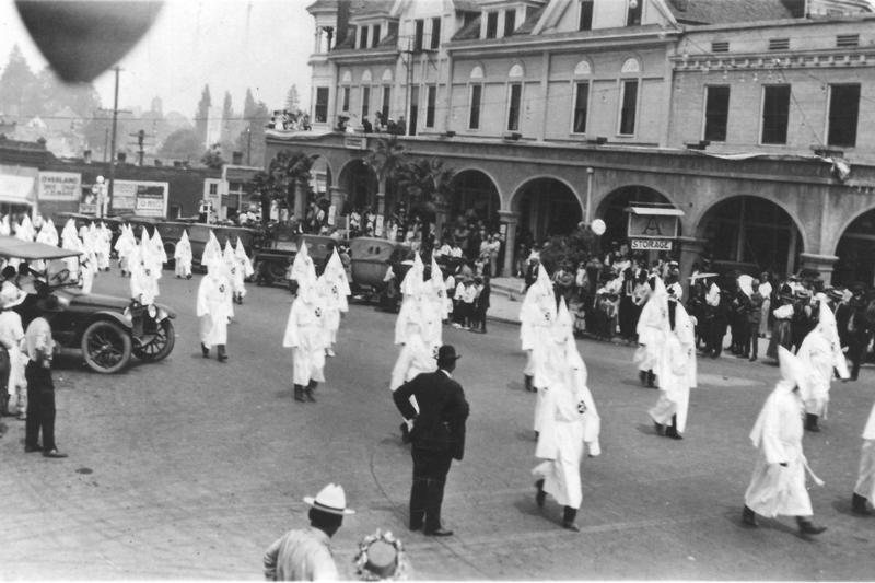 A Ku Klux Klan rally in Oregon (estimated 1920s)