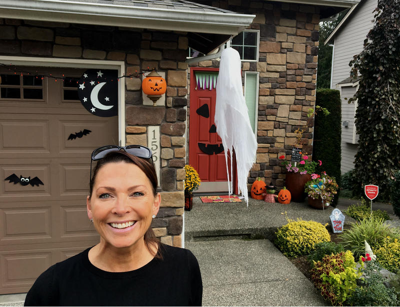 Republican candidate Janice Huxford on the campaign trail.