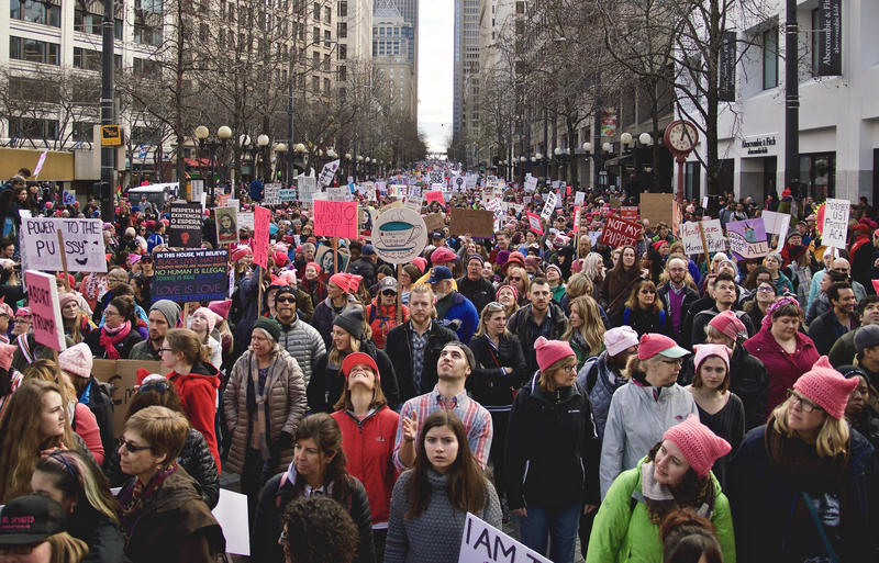 Crowds at the Seattle Womxn's March