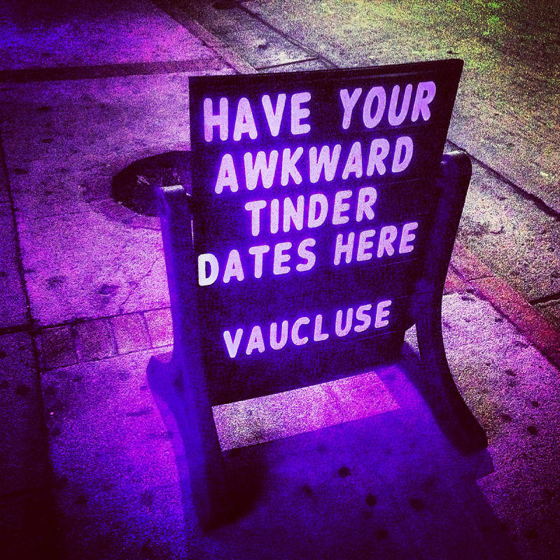 Tinder date sign