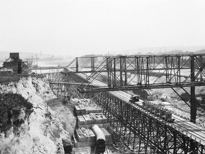 Ballard Locks under construction, 1913