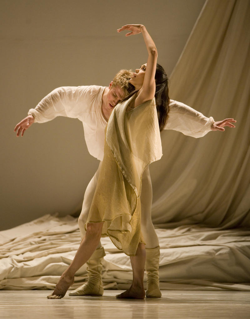 Lucien Postlewaite and Noelani Pantastico caused a local sensation in 2008 when PNB premiered Jean Christophe Maillot's 'Romeo et Juliette.'