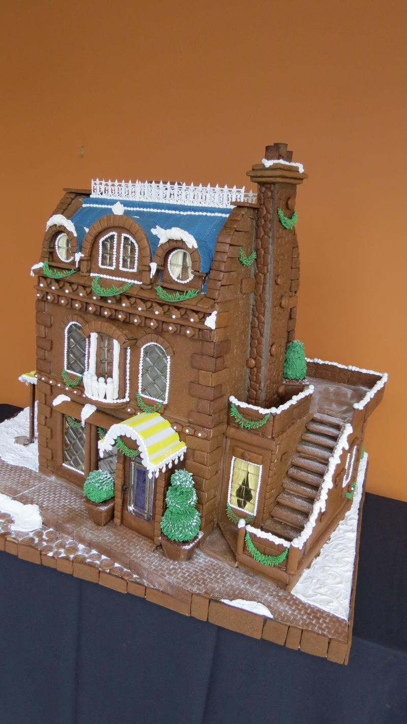 For the past 15 years the Ritz Carlton Kapalua has commissioned a gingerbread house to be presented to Costco Travel at their headquarters in Issaquah. This was the baking school's creation in 2015.