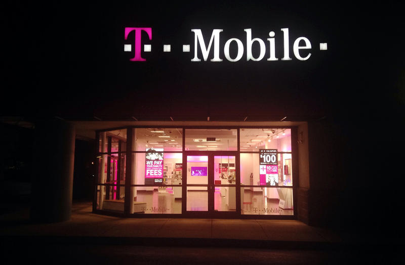 FILE: T-Mobile storefront