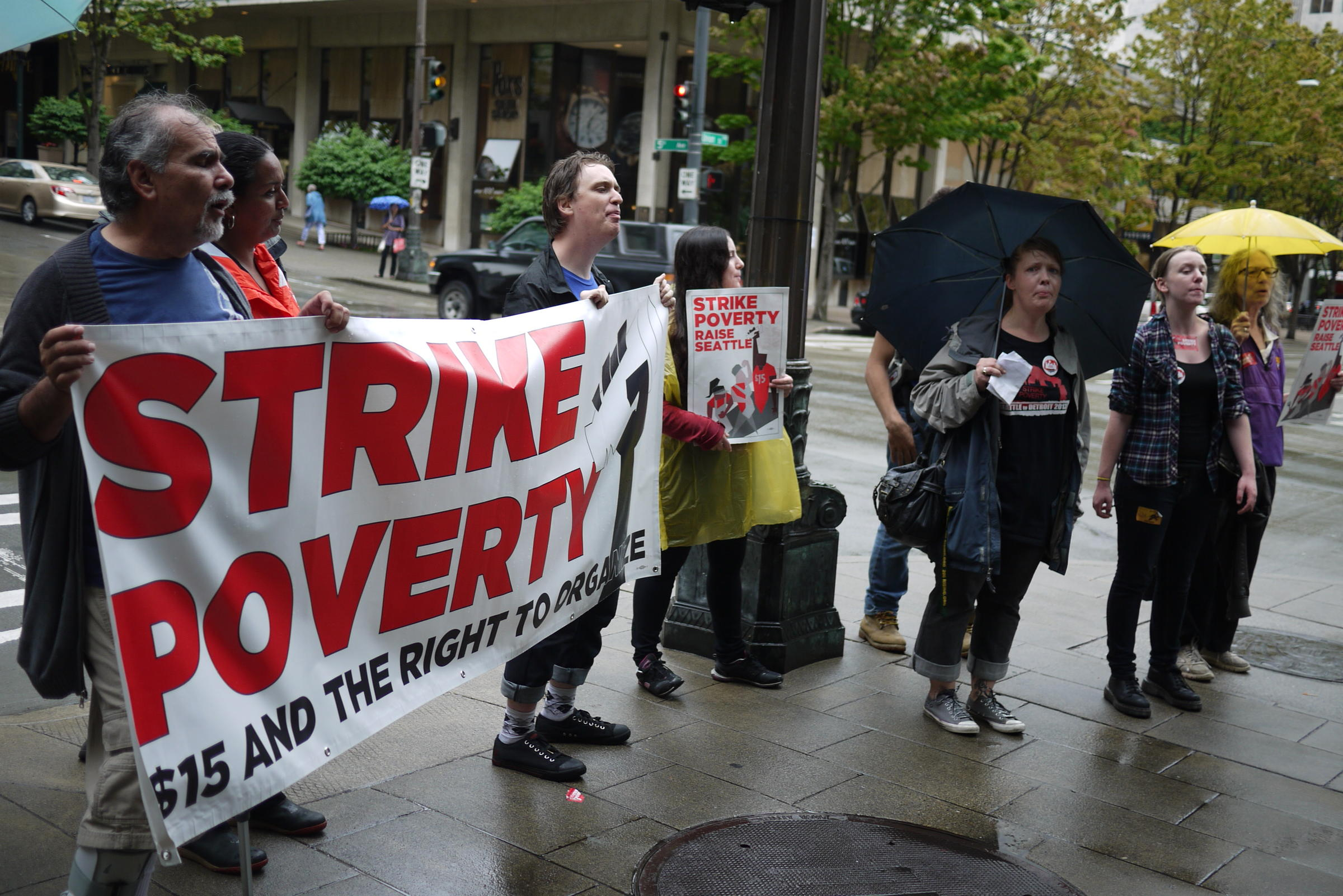 Seattle Fast Food Workers Strike For $15 Wage | KUOW News ...