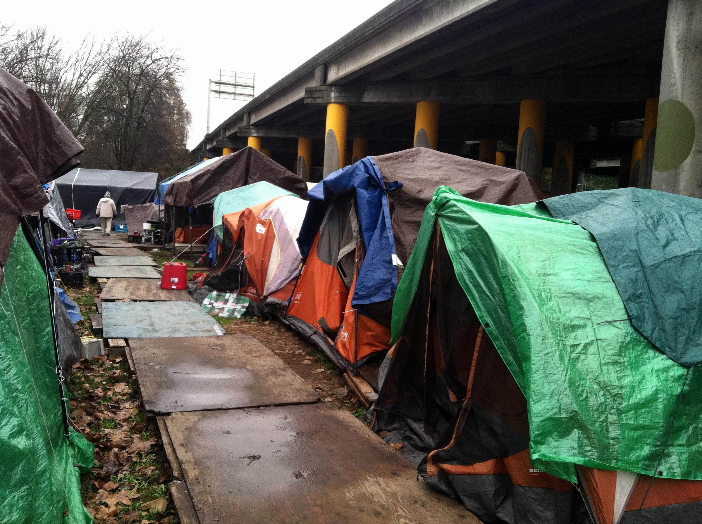 Tent City 3 under I-5 in Seattleu0027s Ravenna neighborhood. & Homelessness Task Force Recommends More Tent Cities | KUOW News ...