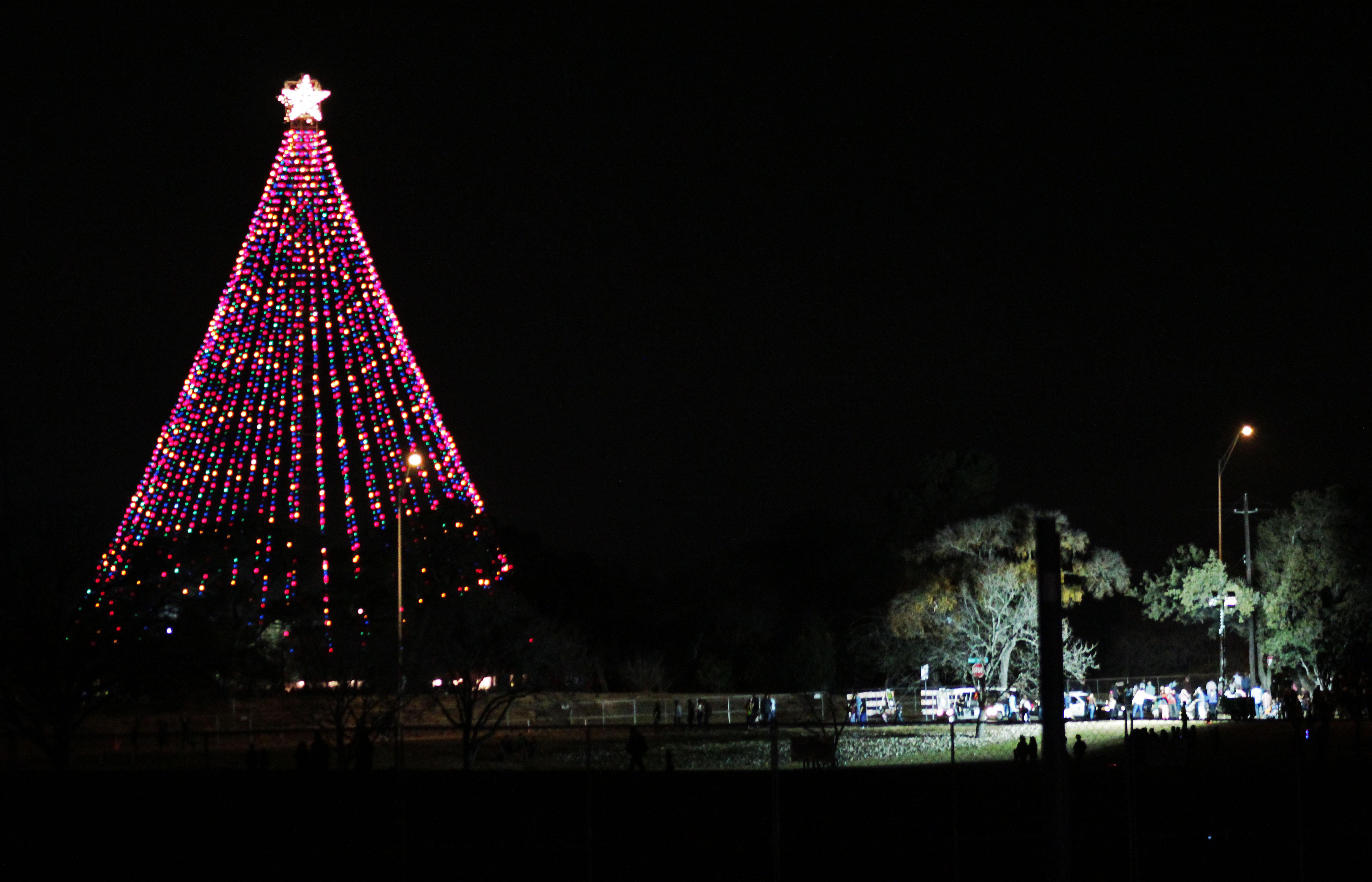 Austin Christmas Tree Part - 45: Austin Holiday Weekend: Zilker Tree Lighting, Chuyu0027s Kids Parade (MAP) | KUT
