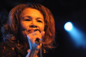 This week, John L. Hanson continues his conversation with singer Candi Staton.