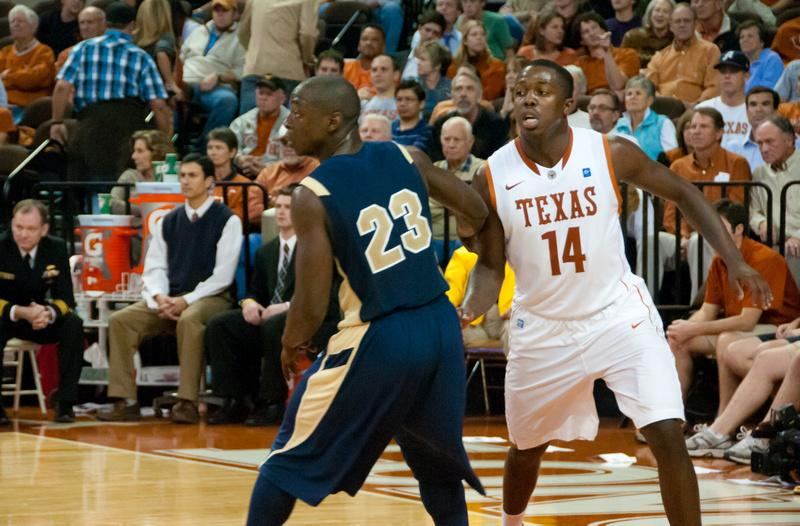 UT's J'Covan Brown, on guard against the Navy Midshipmen in 2010.