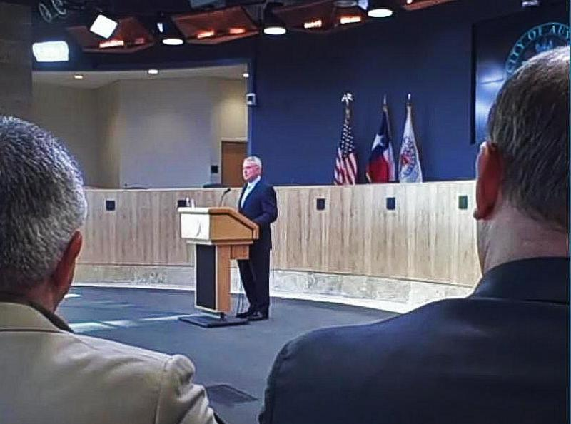 Austin Mayor Lee Leffingwell gives his State of the City address to a full house at City Hall