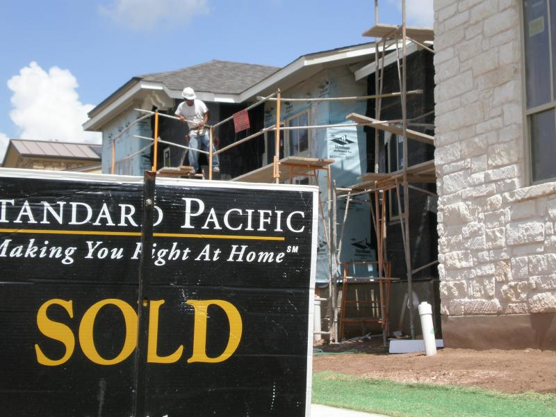 Single family homes are sitting on the market 27 percent longer in February 2011 than the same time last year, according to a new report.