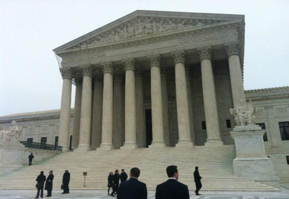 A federal  court will hear closing arguments today in the Texas redistricting trial.