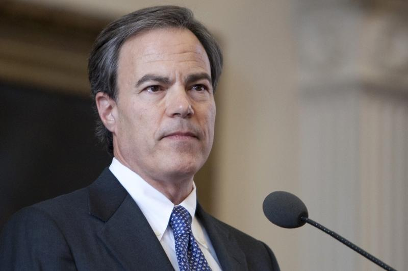 Straus' endorsement comes as a new poll shows Rick Santorum with a huge lead in Texas.