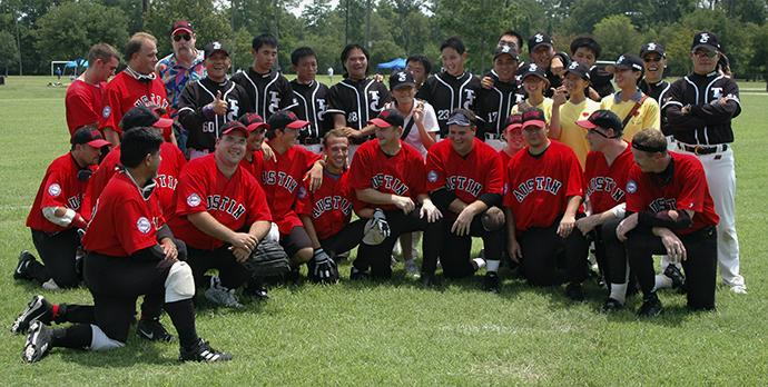 The Austin Blackhawks pose with the Taiwan Homerun.