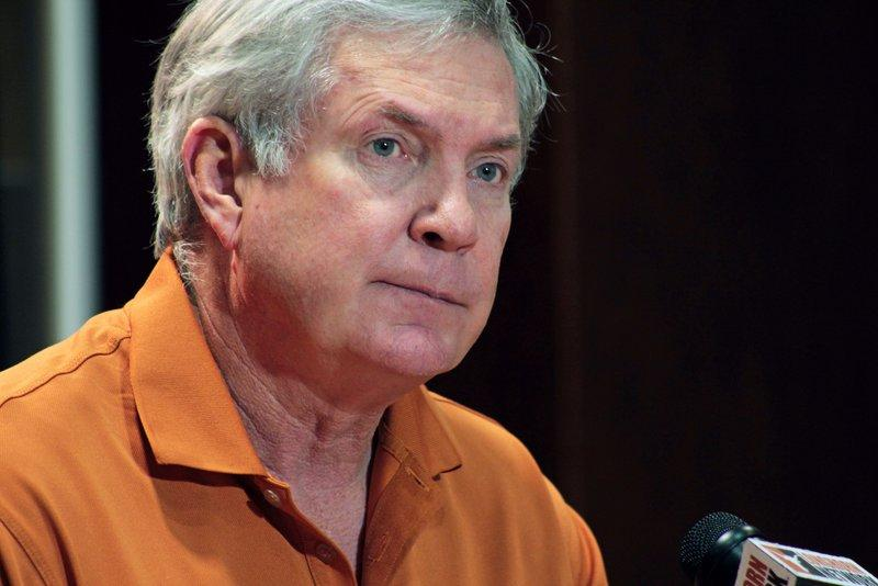 Mack Brown's Nov. 26 press conference.