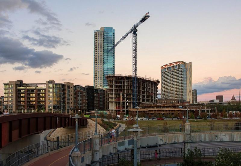 Austin may be forced to do away with an ordinance that rescinds buidling permits if progress hasn't been made.