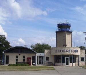 Control towers to continue operations at smaller airports