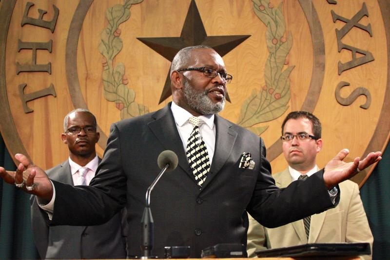 Billy Smith of Dallas, an exoneree, speaks in favor of HB 166 on April 22, 2013 at the Capitol.