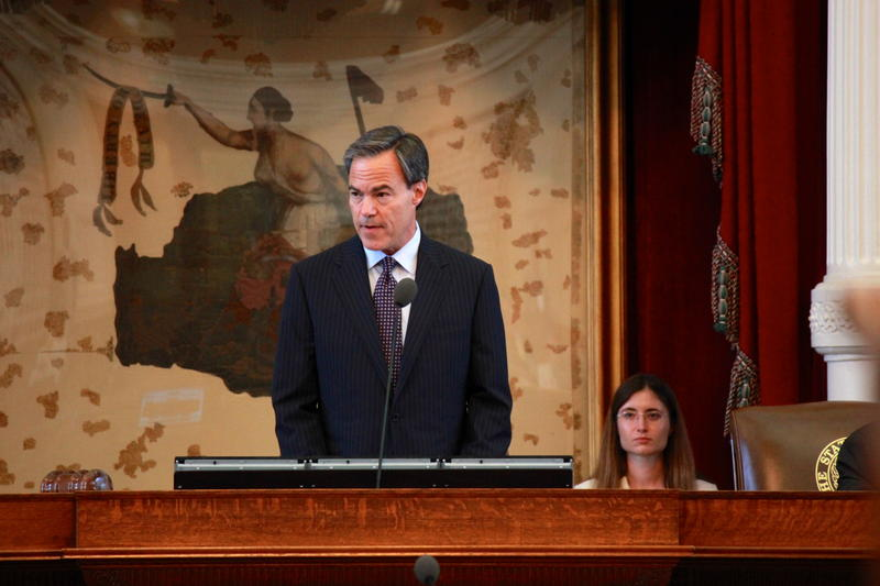 Texas House Speaker Joe Straus on the last day of the regular 83rd legislative session in May 2013. He expects abortion legislation from the Senate to make its way to the House this week.