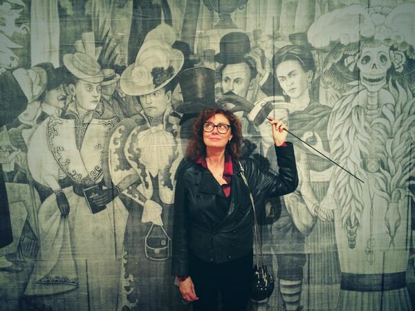 Sarandon shared a picture of herself at Austin's Mexic-Arte Museum.
