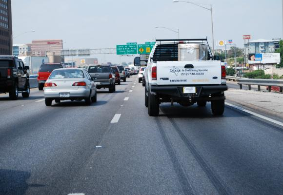 Over 3 million Texans are expected to hit the road for thanksgovomng travel.