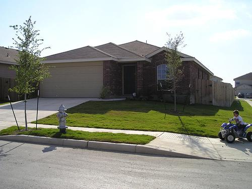 Texas homeowners didn't pay the highest insurance rates in 2013, but rates still exceeded the national average.