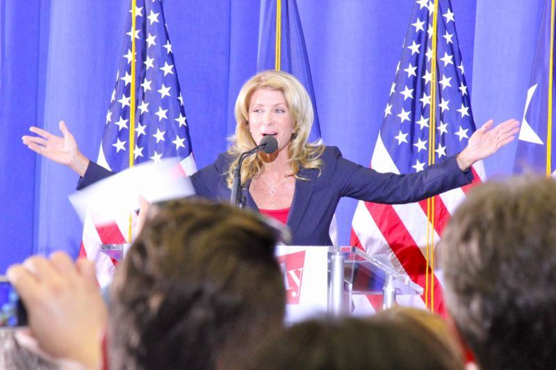 Senator Davis at October 3, 2013 event to announce run for Texas Governor