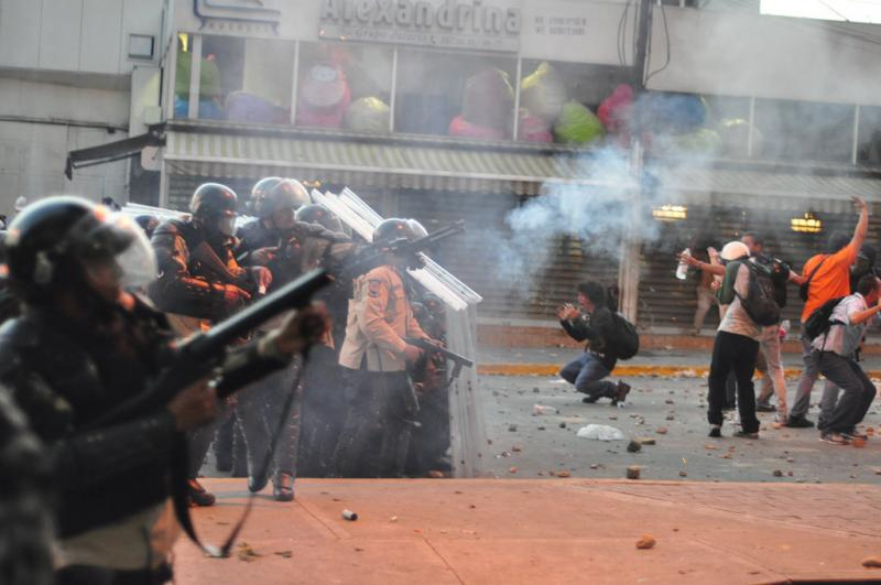 Protestors in Venezuela use smartphone app Zello to communicate