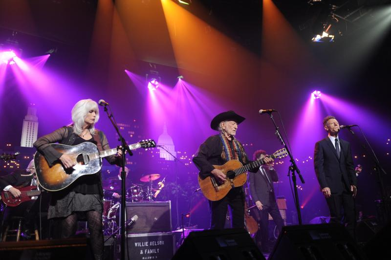 Emmy Lou Harris, Willie and Lyle Lovett perform together