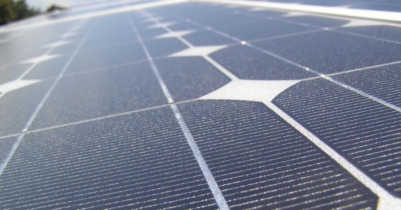 Austin Energy has signed a deal with Reliant Energy to build the largest single solar facility in Texas by 2016.