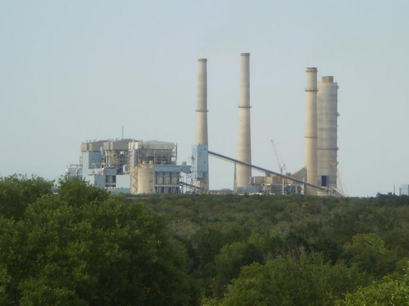 Some say the city should cut ties with the Fayette Power Plant. Others say a binding partnership between the city and the LCRA legally prohibits any dissolution.