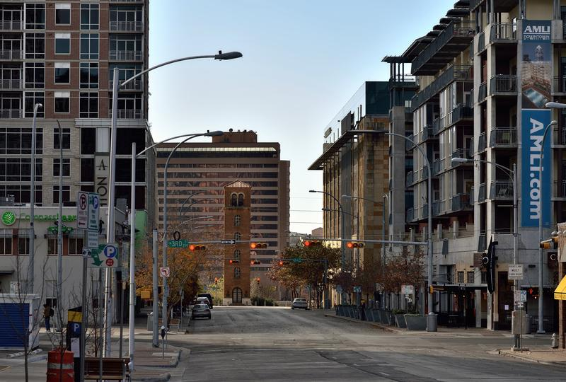 olorado Street will have two-way traffic from 10th Street to Cesar Chavez in 2016.