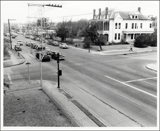 The intersection of Sixth and Lamar in the 1950s. The Whole Foods Market is now on the southwest corner of the intersection.
