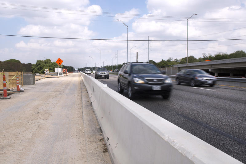 The MoPac Improvement Project will add one tolled lane in each direction to North MoPac. The lane will be free for transit.