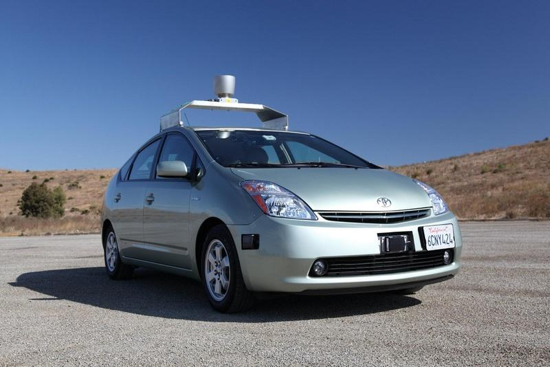 Both the Alliance of Automobile Manufacturers and Google have come out against a bill in the legislature that would create a pilot program to test driverless cars in Texas.