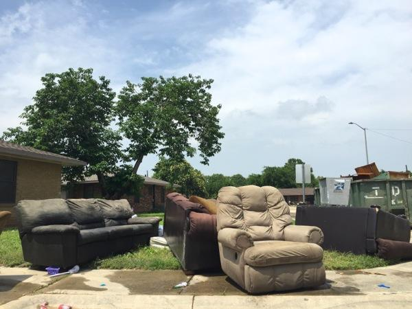 After The 2015 Memorial Day Floods, Sidewalks In San Marcos Are Full Of  Ruined Furniture And Appliances.
