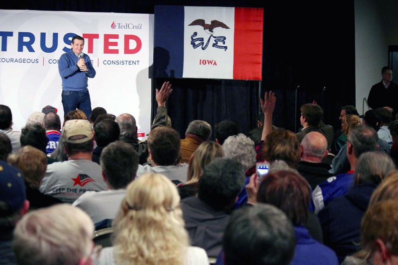 Ted Cruz speaks to Iowa supporters in the week before Presidential primary caucuses.