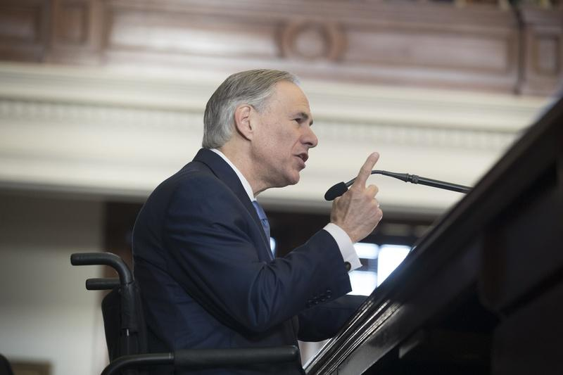 Gov. Greg Abbott speaks to the House on the opening day of the 85th legislative session, Jan. 10.