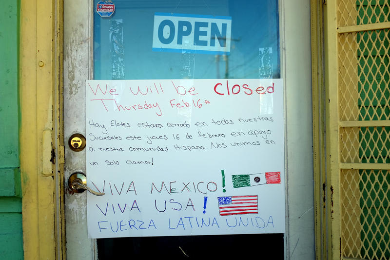 A sign on the door of Hay Elotes on East 7th Street says the restaurant will be closed Thursday.