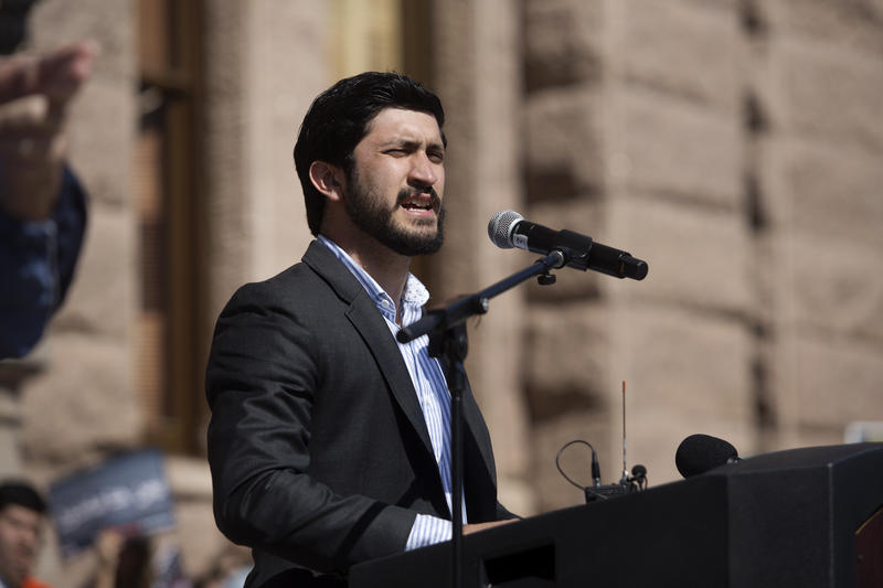 Councilman Greg Casar addresses the crowd.