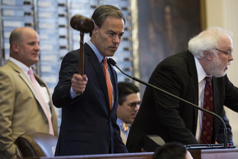Texas House Speaker Joe Straus calls the Texas House to order in July 2017.