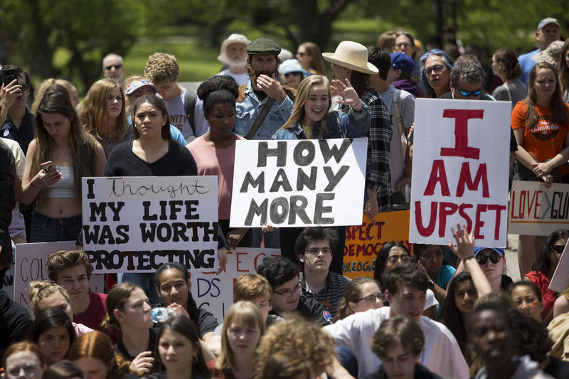 Students participate in a national walkout for gun safety in downtown Austin to the steps of the State Capitol on Apr. 20, 2018.