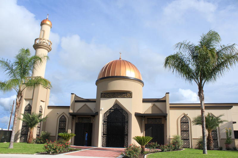 The new mosque sits on the same site of the first mosque, which burned down after an arsonist set it on fire.