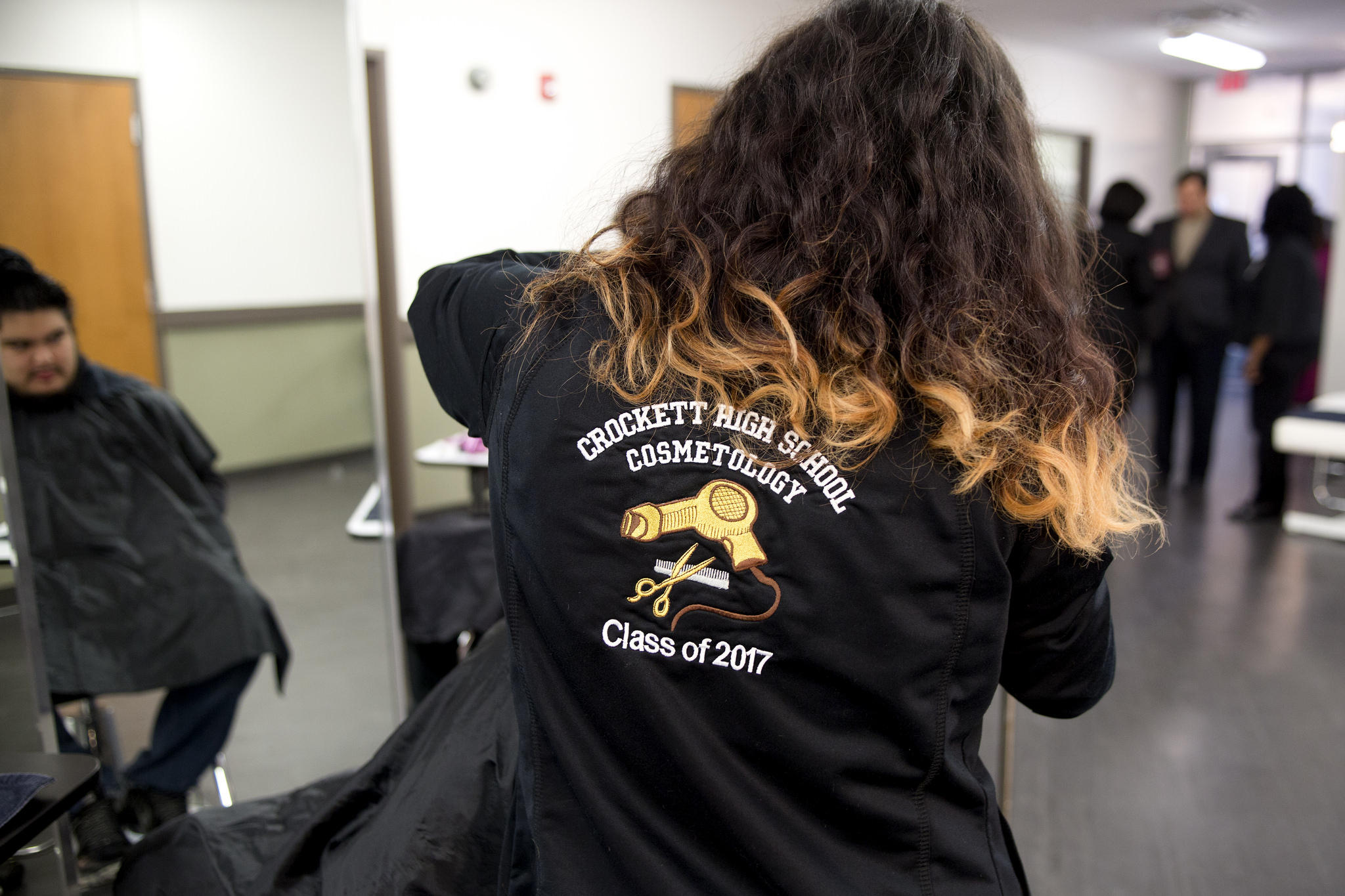 Austin Isd Students Say Cosmetology Program Is More Than Just