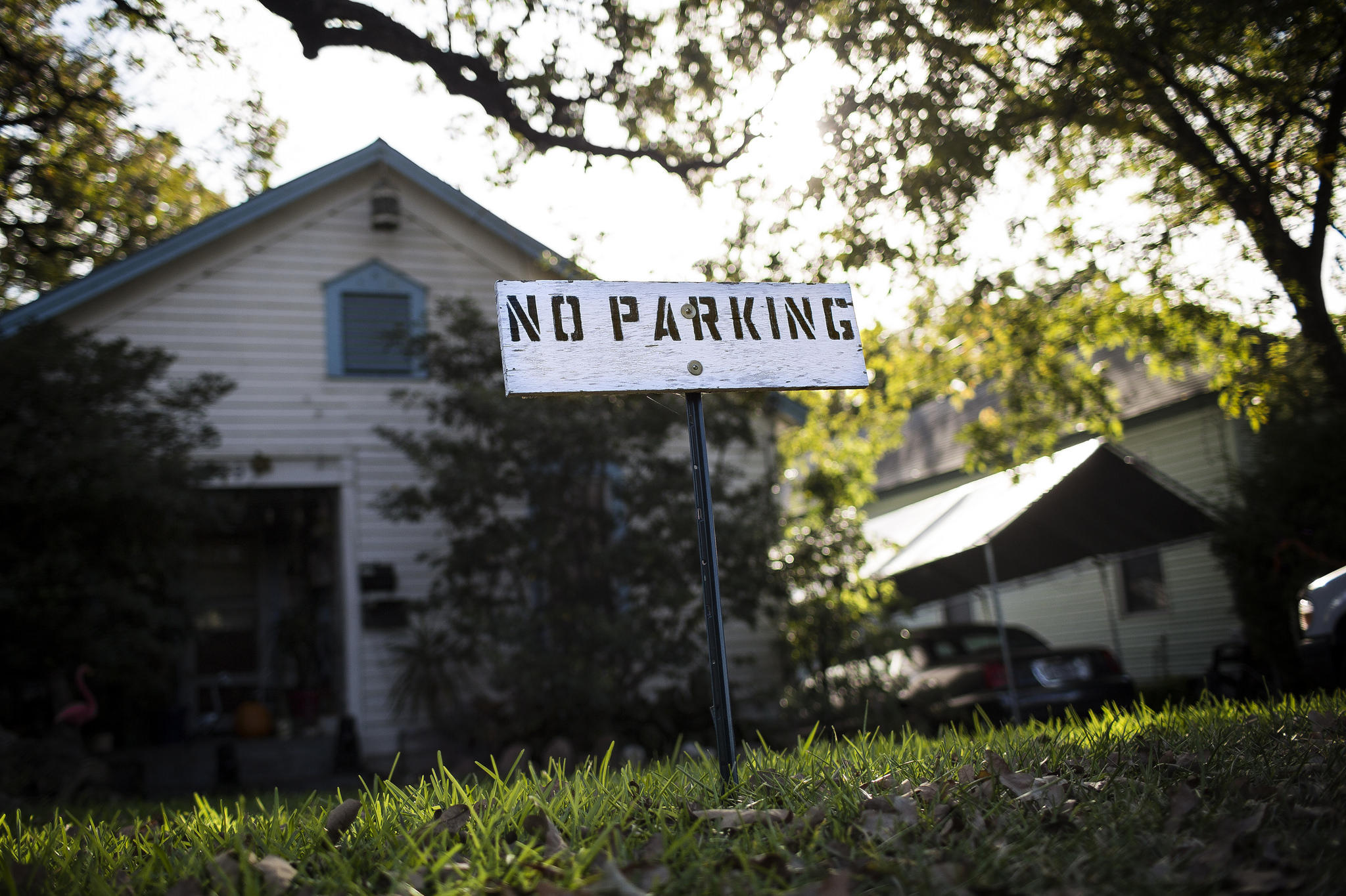 A sign in front of a house in clarksville warns would be parkers but does it carry any weight
