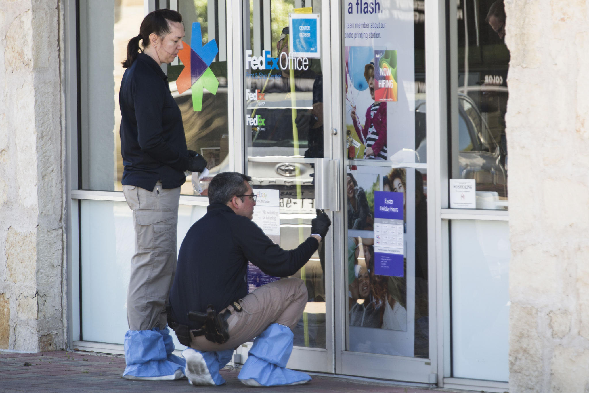 Authorities defuse bomb found at fedex in austin after for Fedex office davis ca