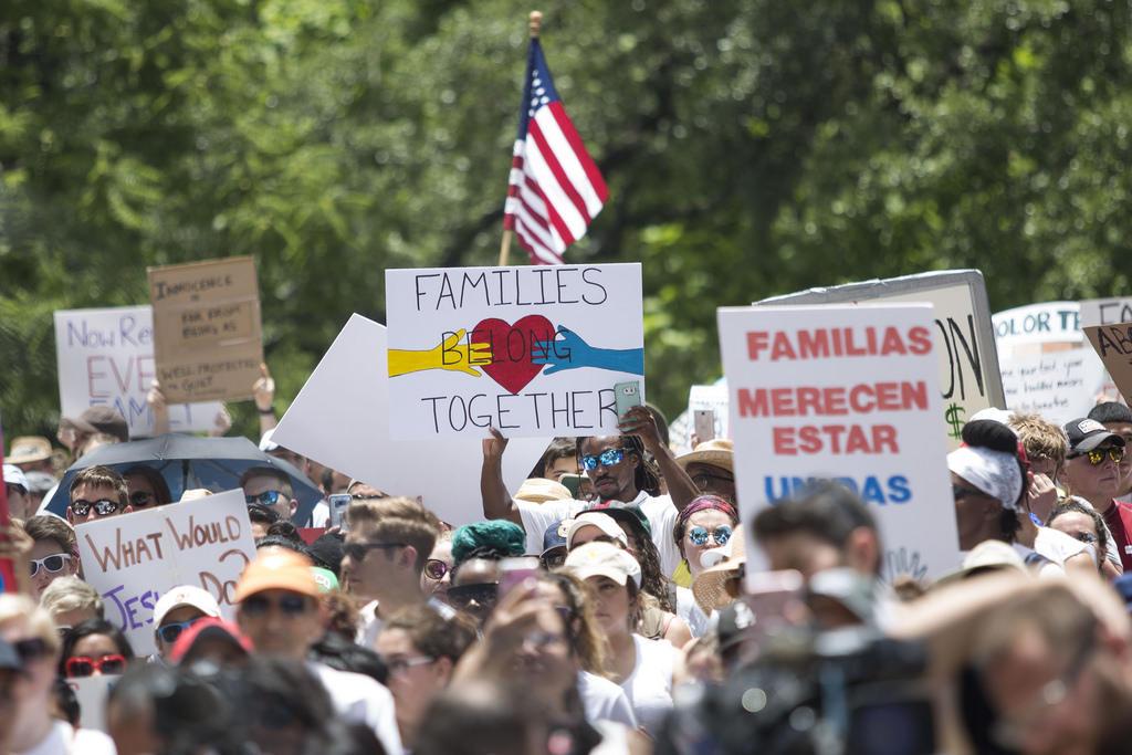 Thousands Protest Trump's 'Zero Tolerance' Immigration ...